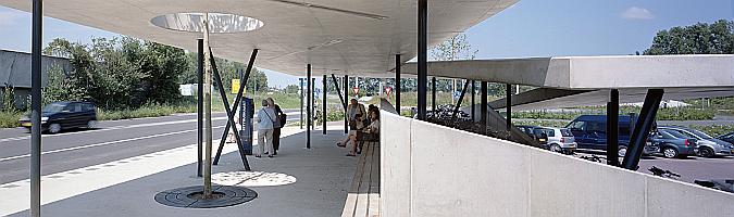 Estación de autobuses Transferium Haren 01