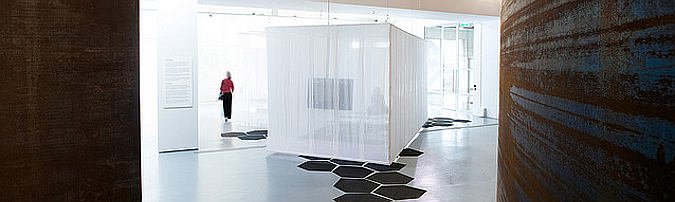 contenedores textiles - portscapes exhibition, textile shipping containers