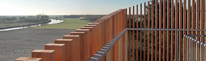 alcanzando el horizonte - viewingtower at vecht riverbank